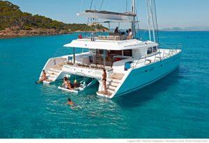 Lagoon catamarans - Luxury yacht charter 'Blue Moon'
