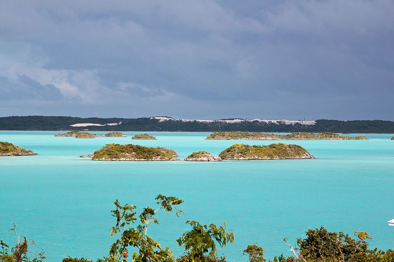 gorgeous turquois waters of Chalk Sound, Providenciales