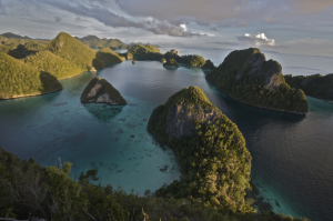 Luxury sailing yacht Raja Ampat Indonesia