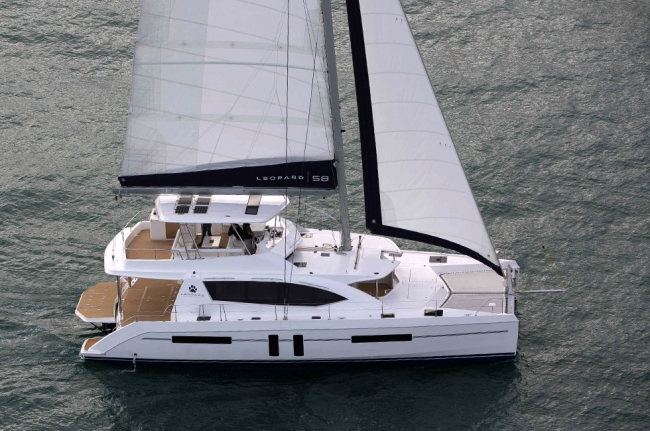 Bahamas catamaran charter SOMETHING WONDERFUL