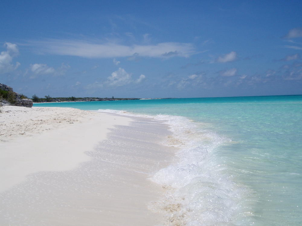 Shroud Beach in the Exuma Islands. Photo courtesy of Molly Potter Thayer and Exuma Cays Land and Sea Park.