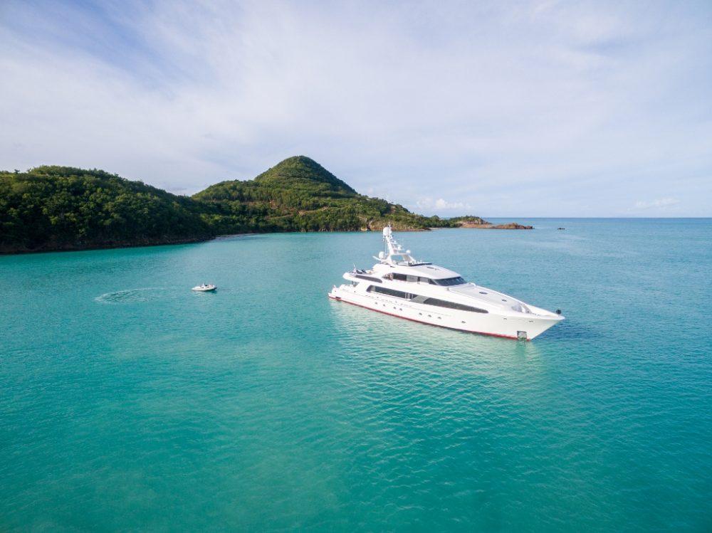Luxury motor yacht charter USHER in the Caribbean