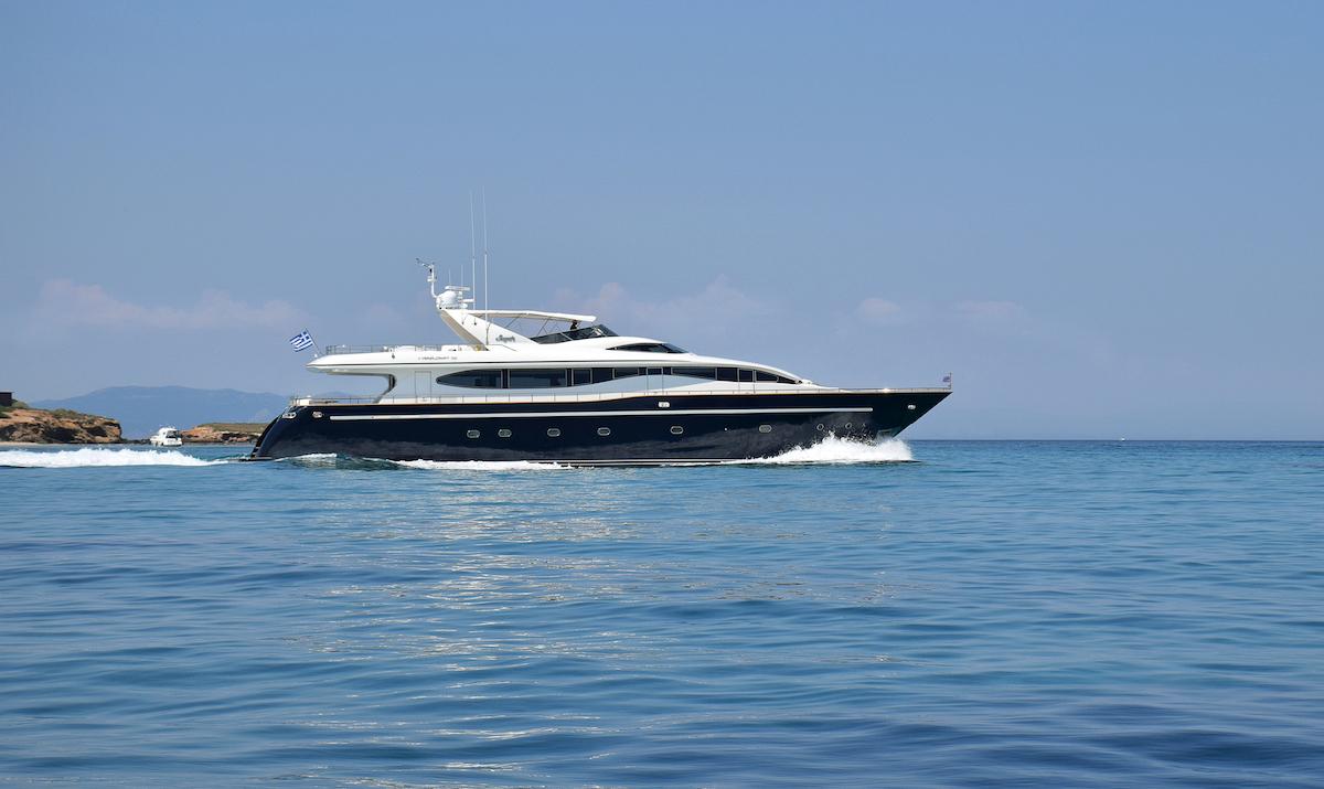 Greece motor yacht charter sugar avail now ckim group inc for Motor boat rental greece