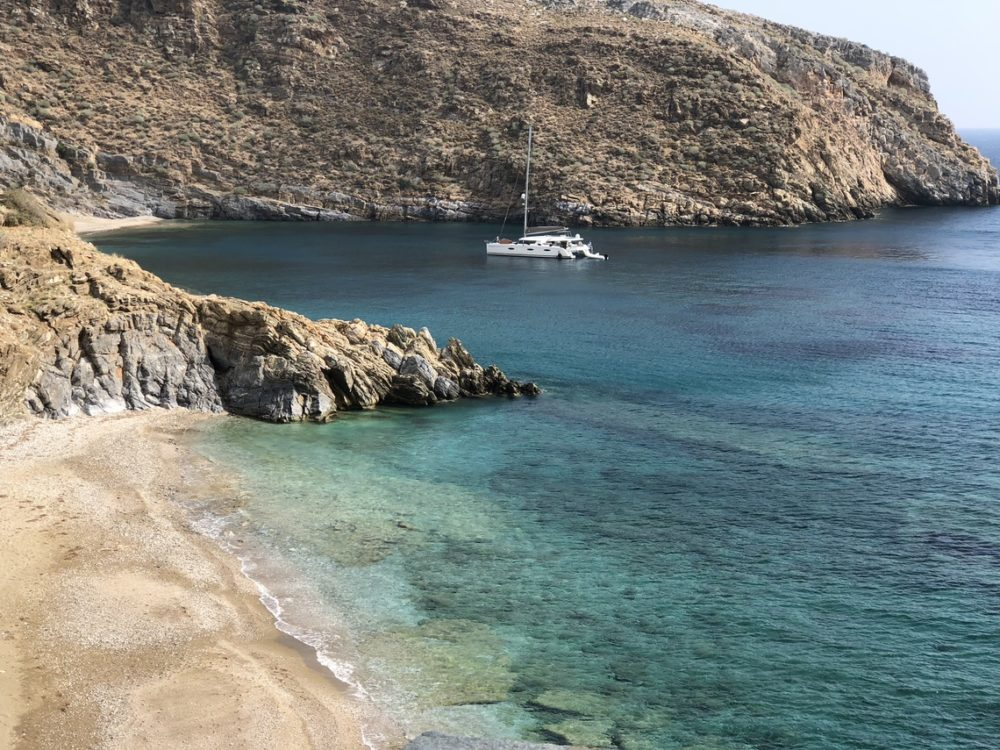 Cycladic islands charter itineraries