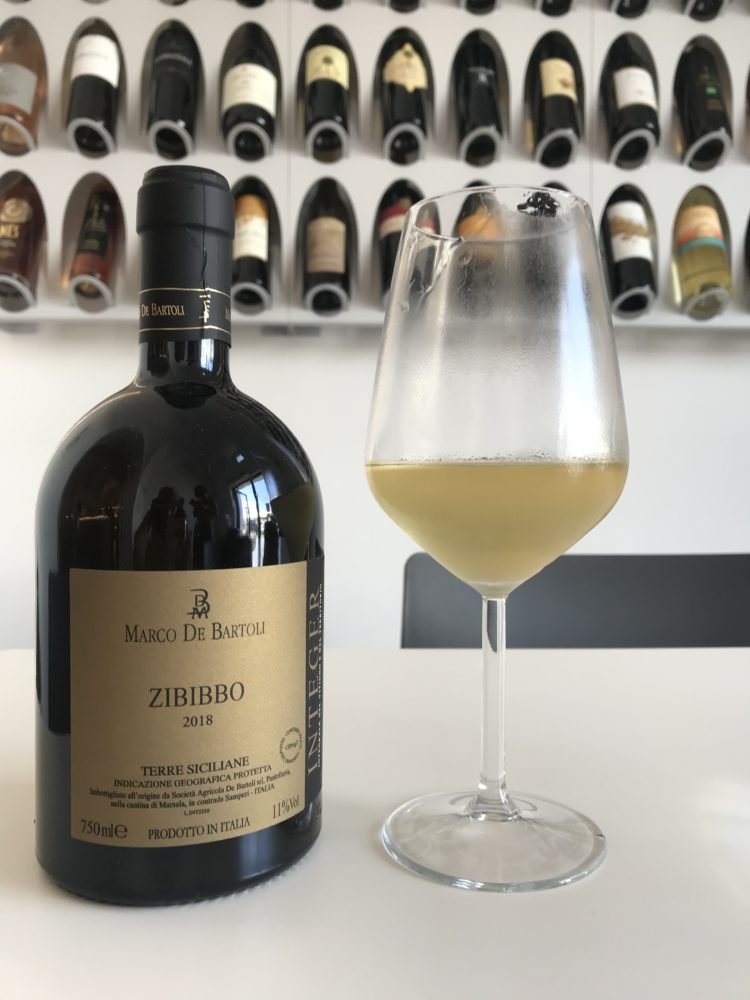 Zibibbo dry white wine from Marco de Bartoli on Pantelleria, Sicily