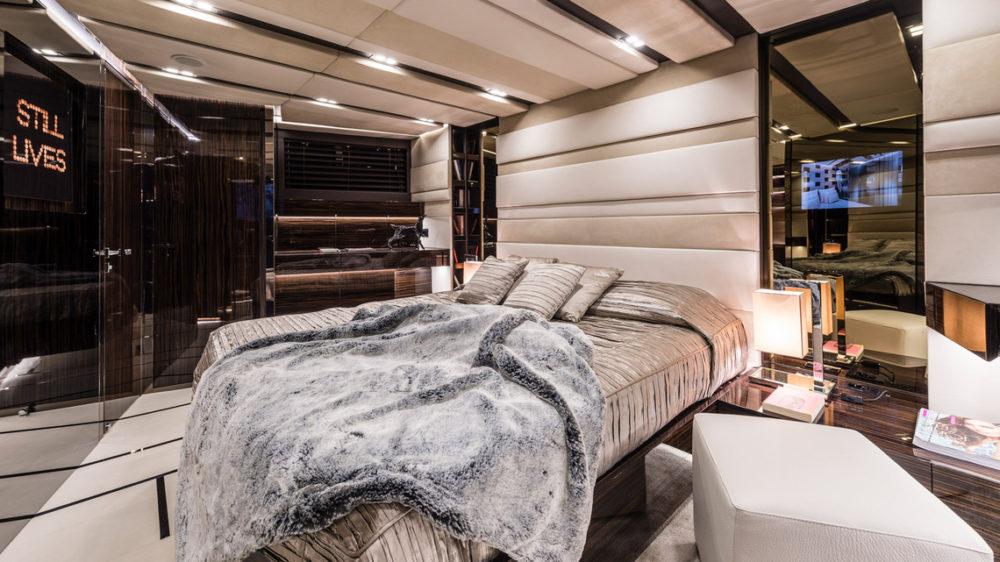 Master cabin onboard Gigreca Greek sailing-yacht charter