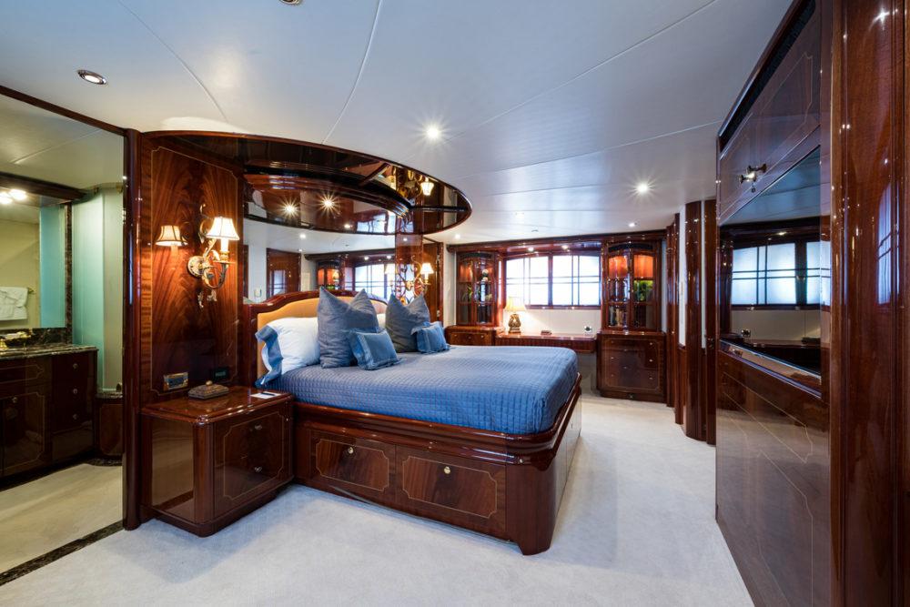 M/Y Bella Contessa's master stateroom. Chartering in the Bahamas.